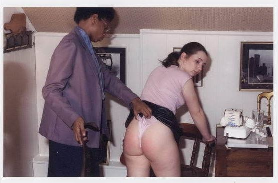 Big booty moms naked pictures